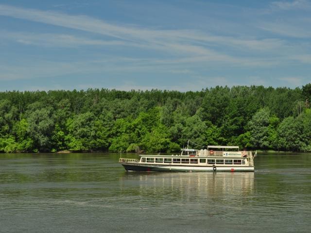 Sétahajózás a Dunán a hosszú hétvégén