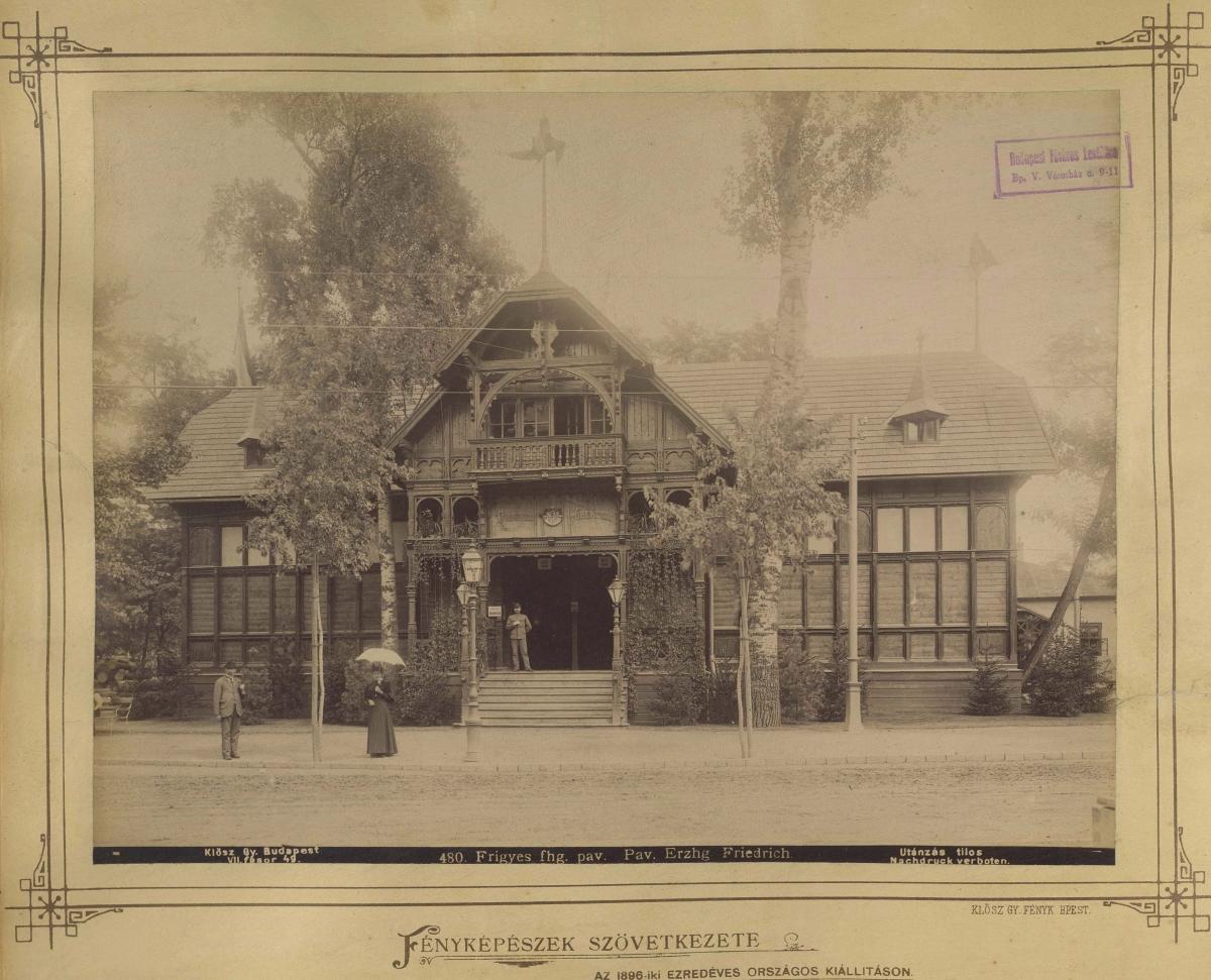 Habsburg Frigyes főherceg birtokait bemutató kiállítási pavilon az Ezredéves Országos Kiállításon Budapesten, a Városligetben. (Forrás: Fortepan)